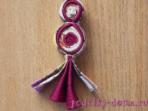 народная кукла из полосок ткани