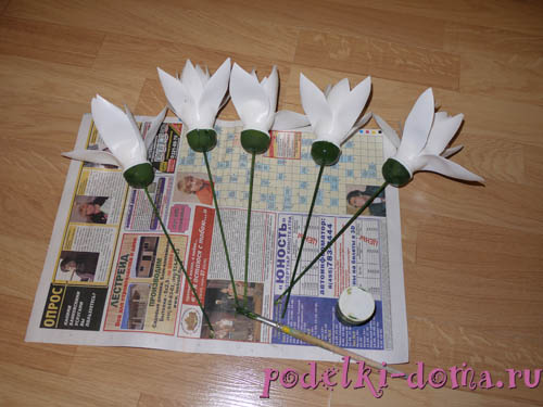 цветок из пластиковых бутылочек