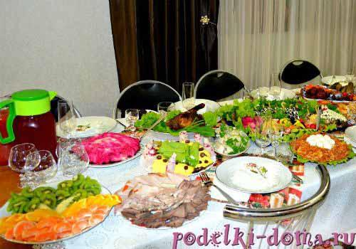 novogodnij stol 08