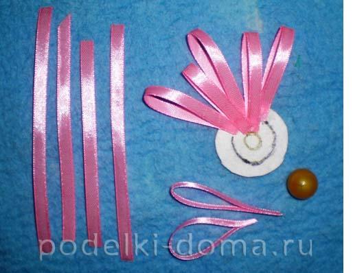 vyazanoe panno atlasnye cvety2