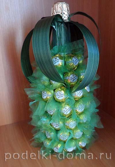 ananas iz konfet i shampanskogo