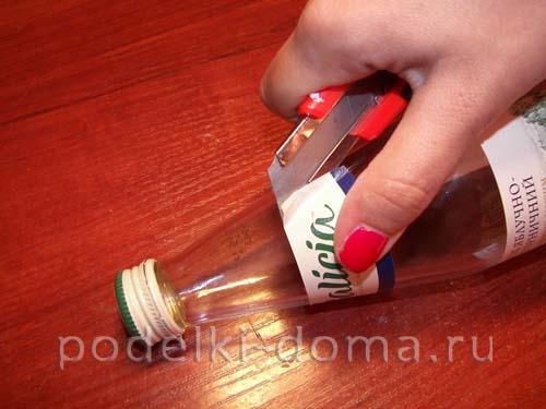 dekupazh butylki ukrainskiy domik2