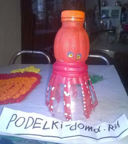 осьминог из пластиковой бутылки