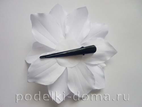 zakolka cvetok lilii iz atasnoy lenty20
