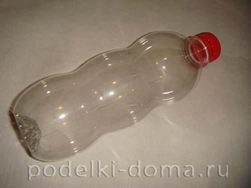 novogodnyaya podelka iz plastikovoy butylki1