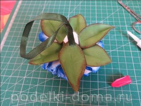 elochny shar cvetok iz foamirana24
