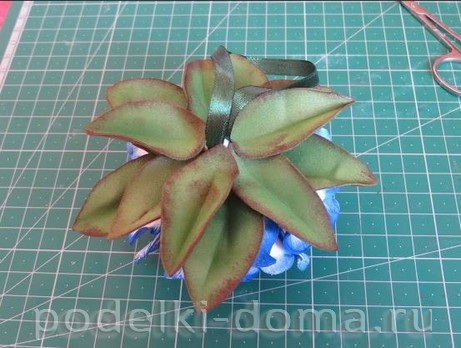 elochny shar cvetok iz foamirana25
