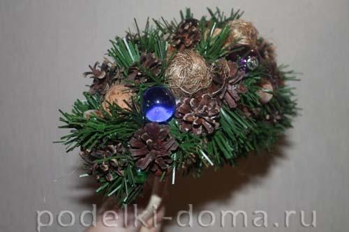 topiary novogodny08