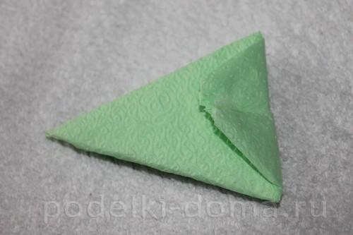 salfetki v vide lotosa10
