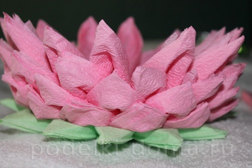 salfetki v vide lotosa33