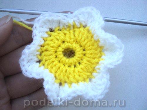 podushka cvetok vyazanaya04
