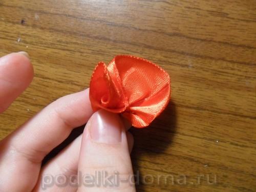 zakolka roza iz atlasnoy lenty08