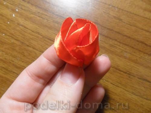 zakolka roza iz atlasnoy lenty11
