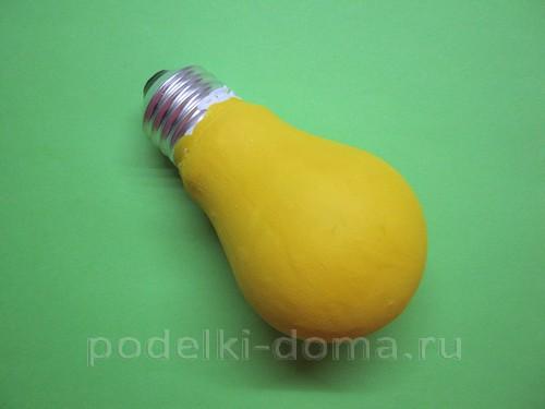 elochnaya igrushka petushok iz lampochki05