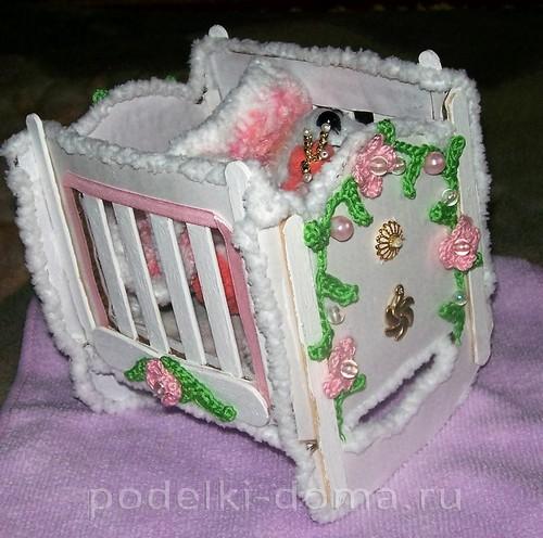 Кроватка для куклы своими руками