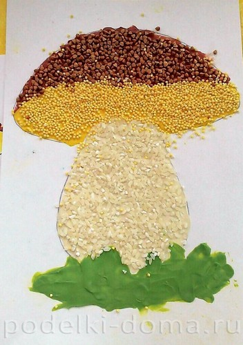 белый гриб аппликация из крупы