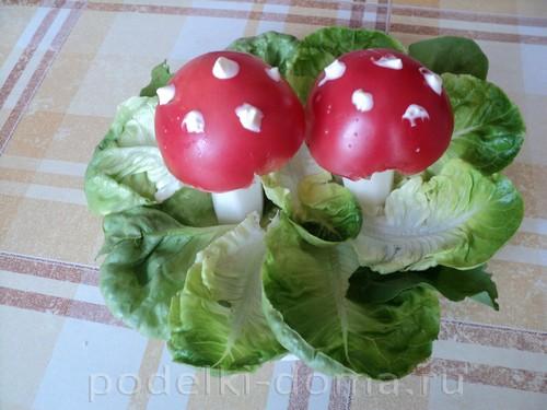 мухоморы помидоры