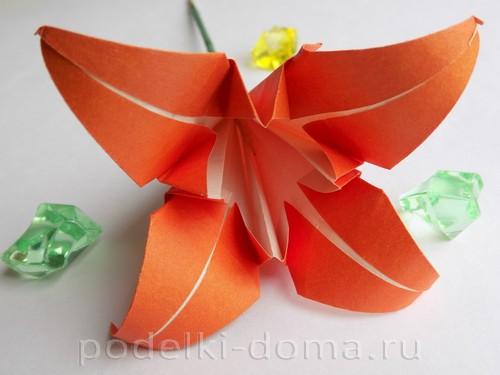 лилия из бумаги оригами 01