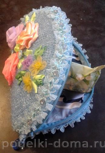 косметичка вязаная цветы из лент2