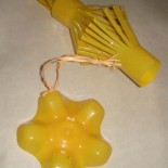Простые новогодние игрушки из пластиковых бутылок