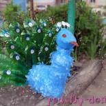 Павлин из пластиковых бутылок для сада