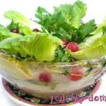 Оригинальное блюдо: салат в ледяной тарелке