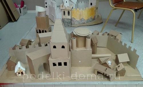 замок из картона02