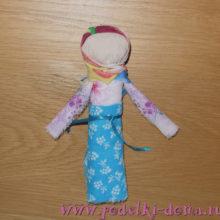 Как сделать простую куклу-скрутку
