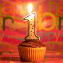 Первый день рождения. Что можно подарить на год.