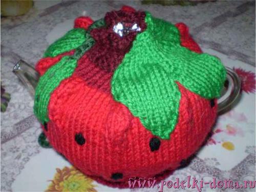 грелка на чайник ягодка