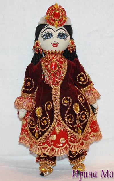 Восточная кукла из ткани