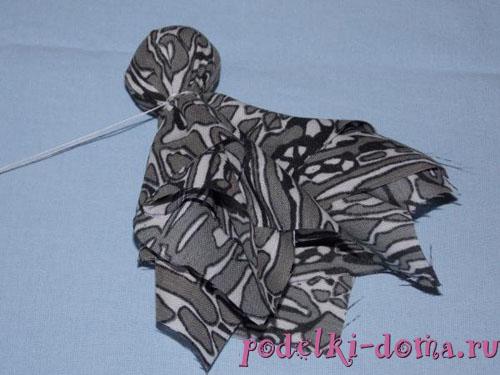 Осьминожек из ткани - простая игрушка своими руками