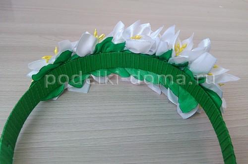 Цветы-подснежники из атласных лент