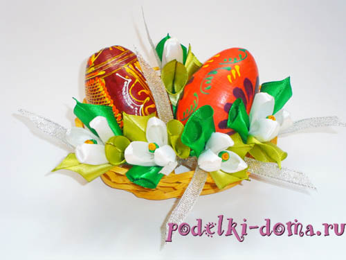 цветы подснежники из атласных лент - подставка для яиц на Пасху