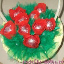 Букет цветов из конфет — своими руками