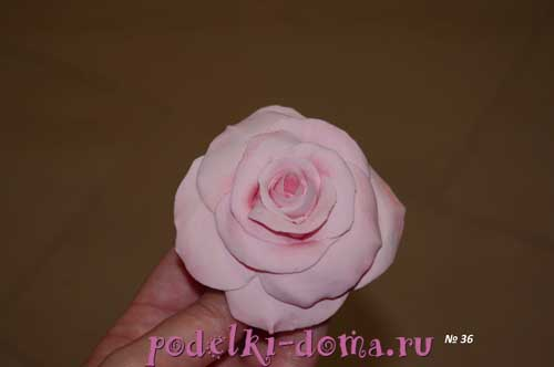 rozy iz polimernoy gliny18