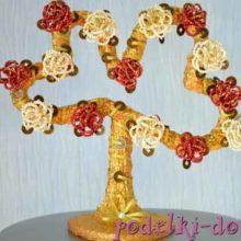 Цветущие сердца из бисера – оригинальное денежное дерево своими руками