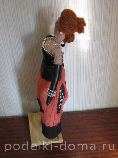 01-Lady-with-Scull-side2