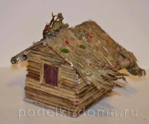 Поделки домиков с двориком 68