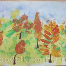 «Осень на опушке краски разводила». Рисунки в технике «печать листьями»