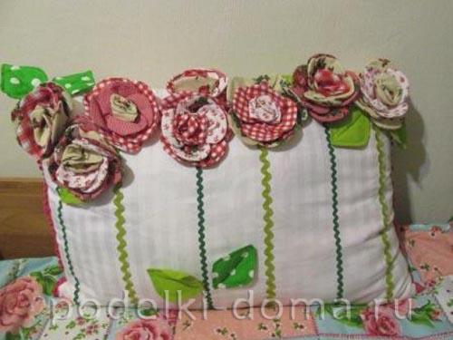 podushka cvety