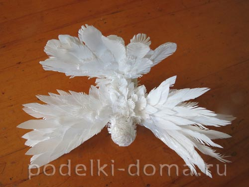 golub iz plastikovyh butylok10