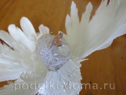 golub iz plastikovyh butylok11