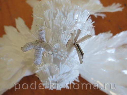 golub iz plastikovyh butylok12