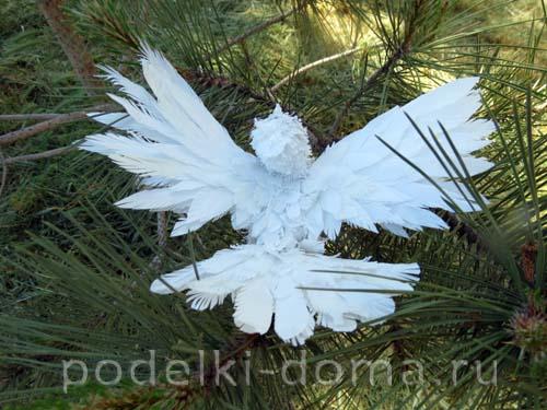 golub iz plastikovyh butylok13