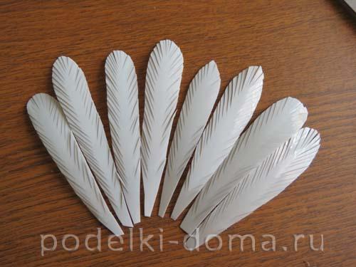 golub iz plastikovyh butylok3