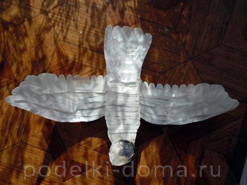 golub iz plastikovyh butylok4
