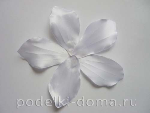 zakolka cvetok lilii iz atasnoy lenty13