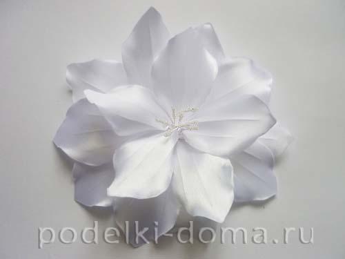 zakolka cvetok lilii iz atasnoy lenty19