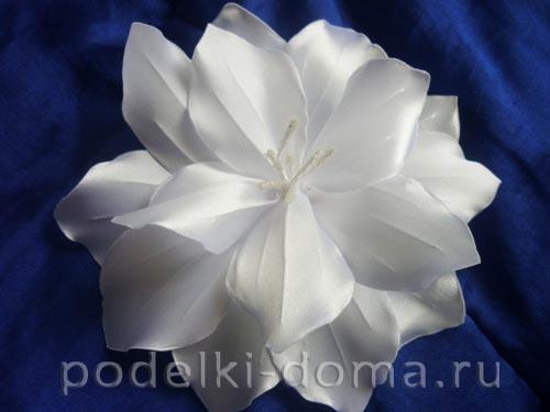zakolka cvetok lilii iz atasnoy lenty23